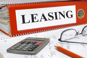 how does auto leasing work