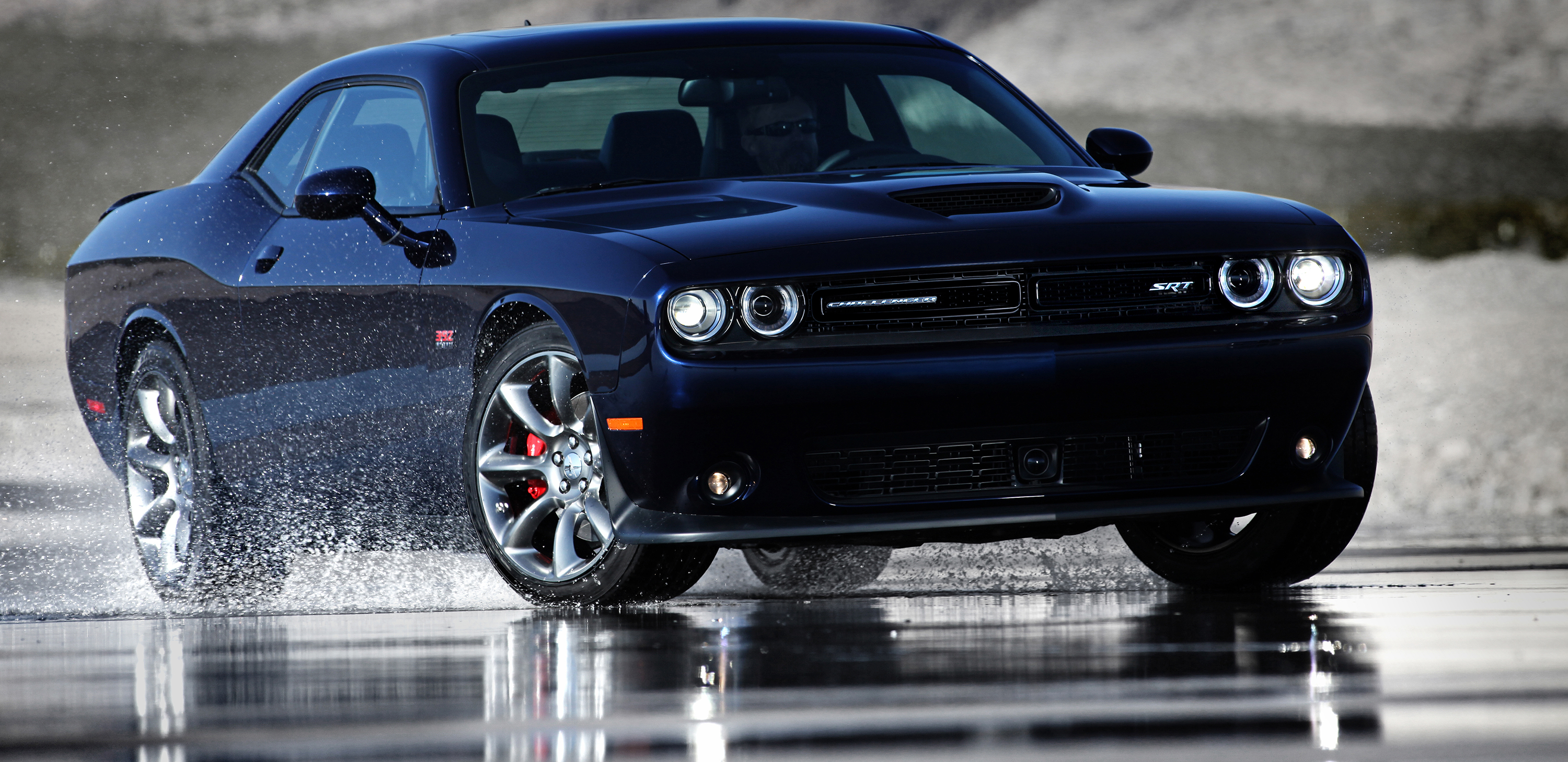 Dodge Challenger SRT Hellcat – The roar of a triple threat
