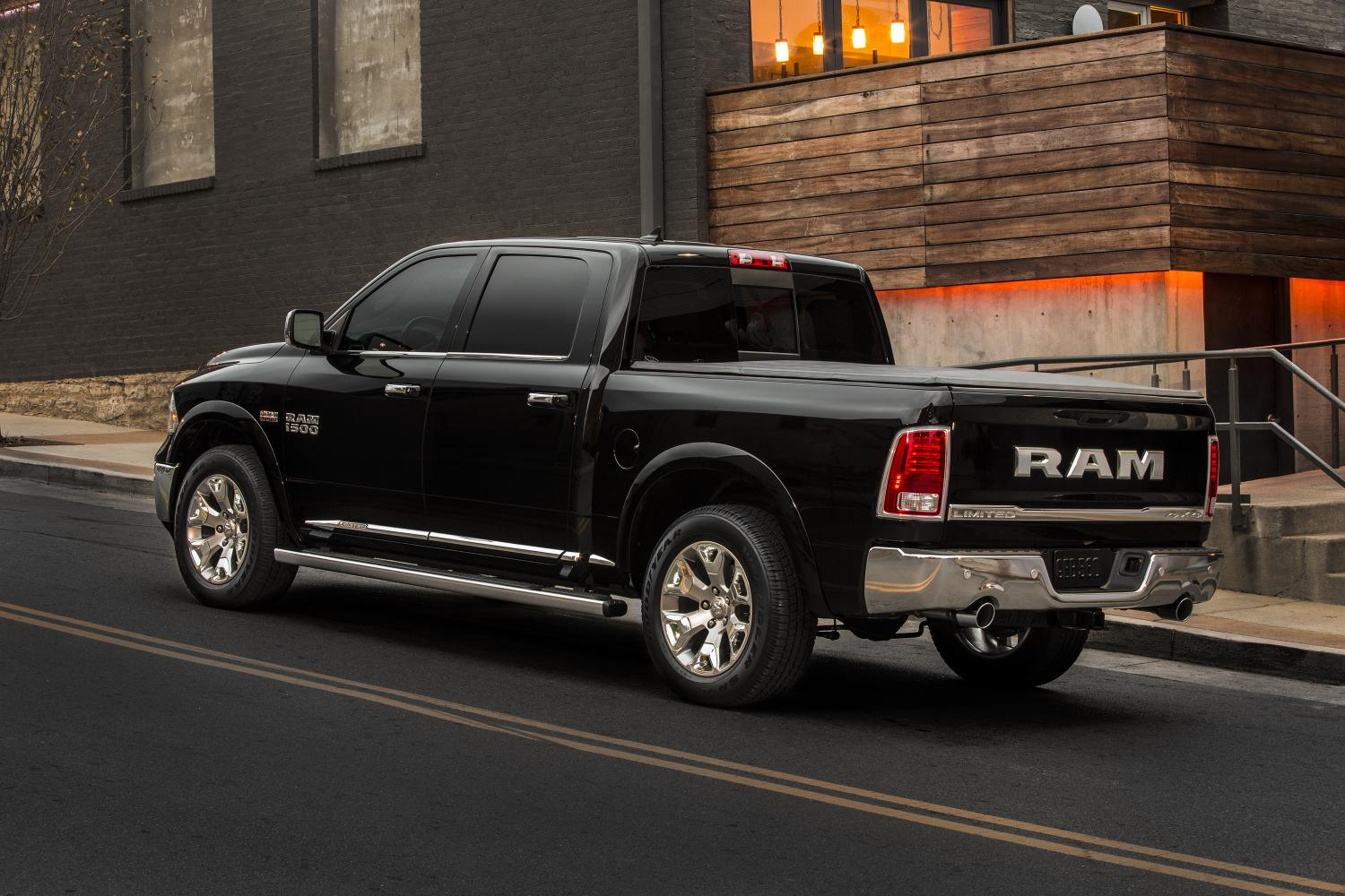 Ram goes big, bold with new Laramie Limited | Chrysler Capital