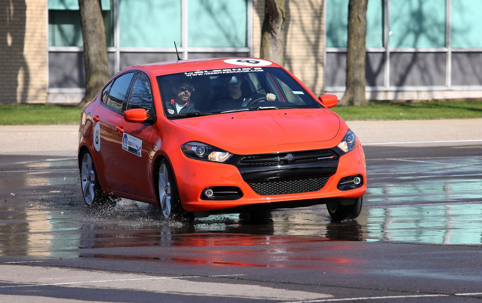 022416 CC Put the B.R.A.K.E.S. on your teen's driving habits 1