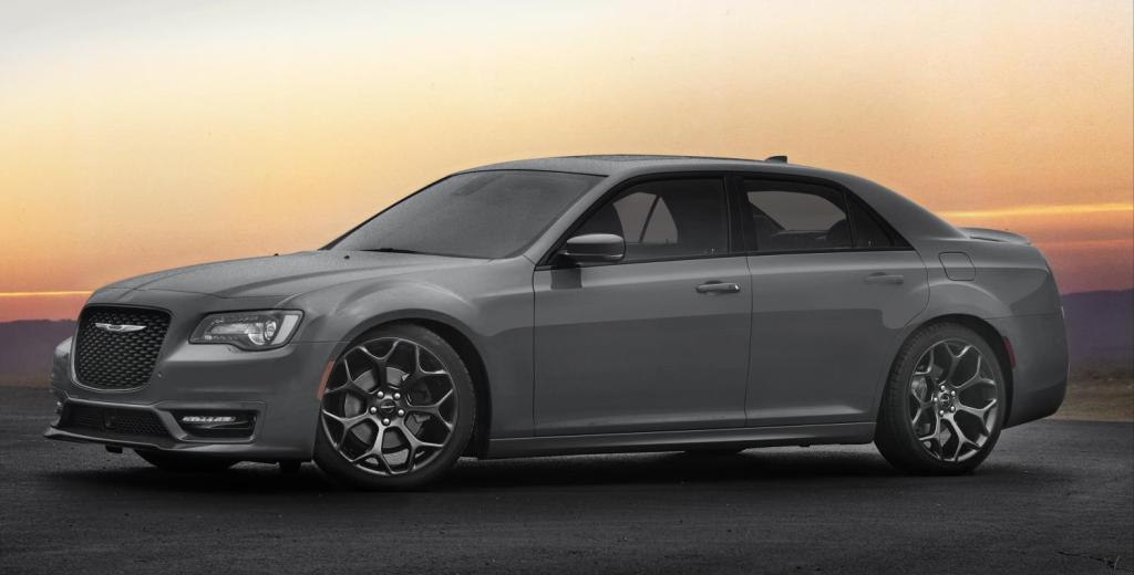040516 CC 2017 Chrysler 300S makes big, bold statement 1