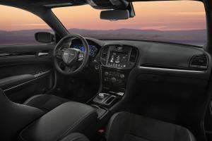 040516 CC 2017 Chrysler 300S makes big, bold statement 2