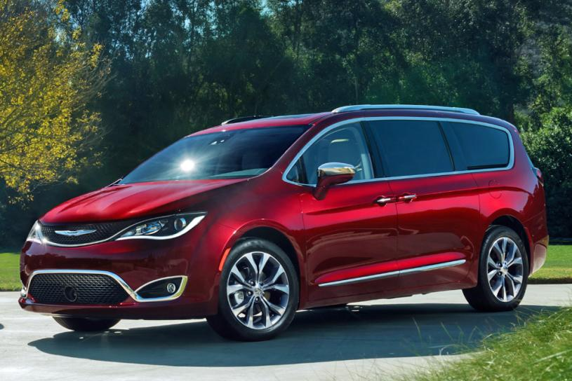 091616-cc-feel-like-royalty-in-an-all-new-chrysler-pacifica-1