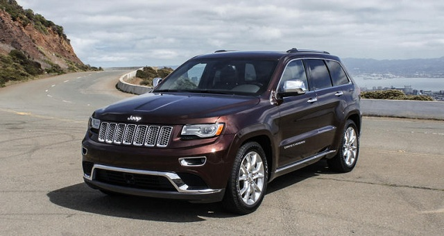 110216-cc-drive-luxury-and-go-green-in-a-jeep-grand-cherokee-ecodiese-3