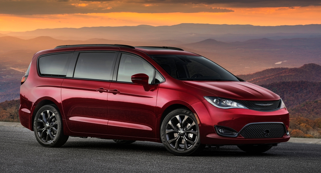Chrysler Pacifica football tailgate