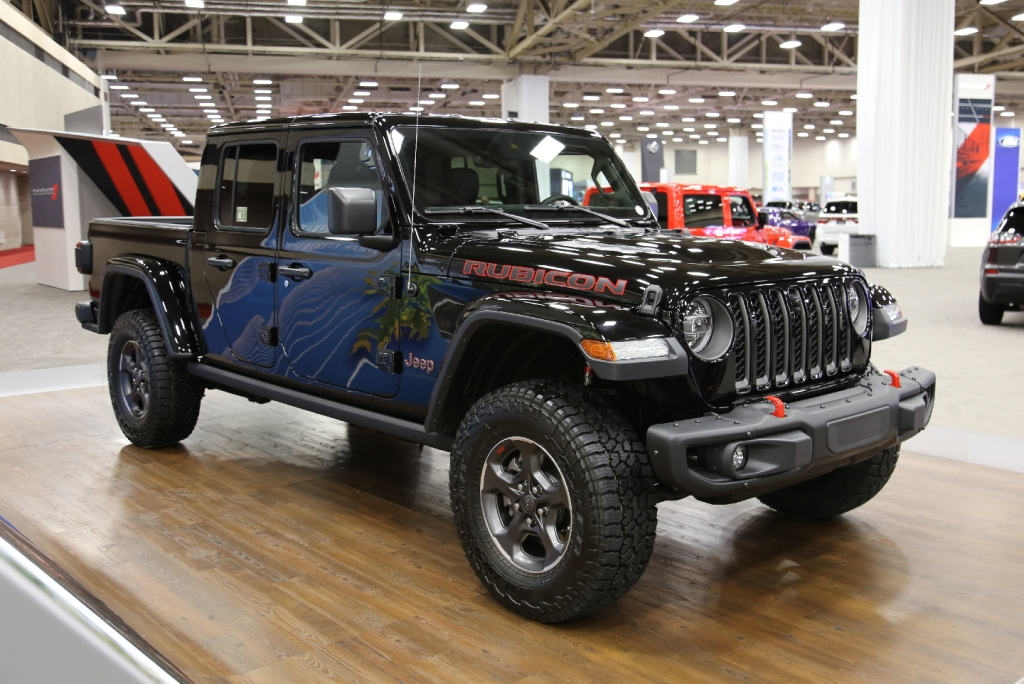 Side view of Jeep Gladiator, FCA US LLC DFW Auto Show