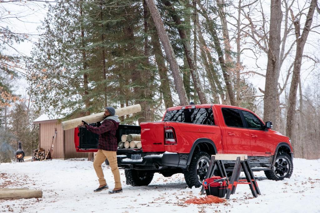 2019 Ram 1500 barn-door tailgate
