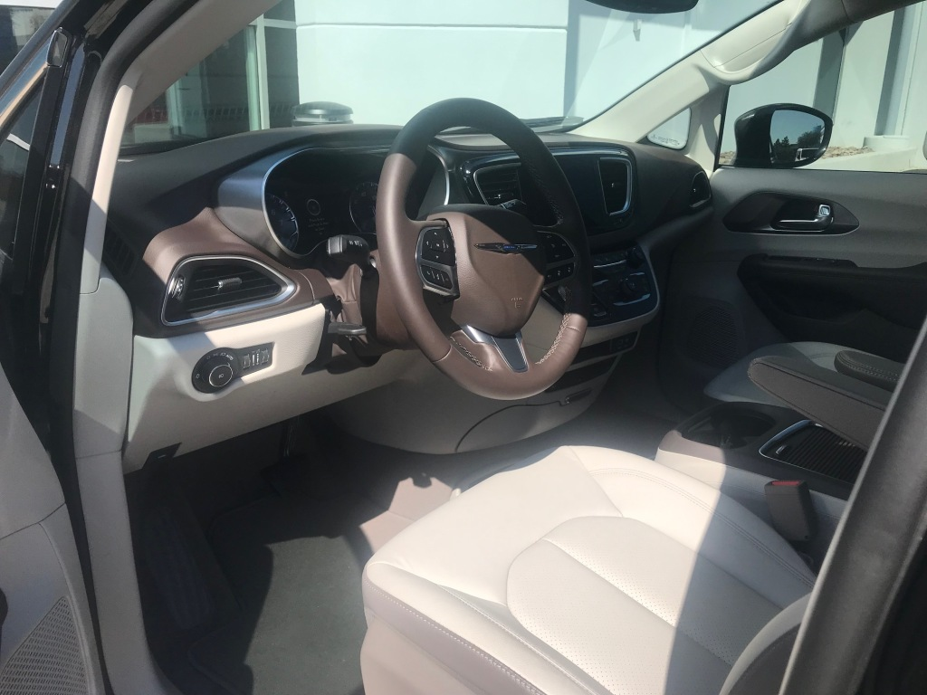 2019 Chrysler Pacifica front seat