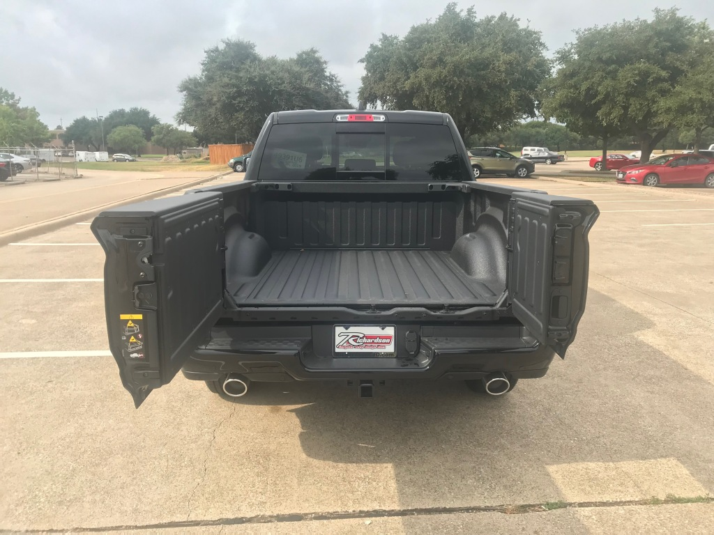 2020 Ram 1500 multifunction tailgate