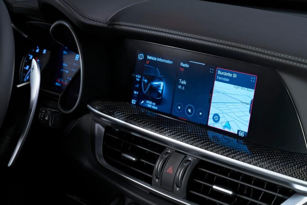 2020 Alfa Romeo touchscreen
