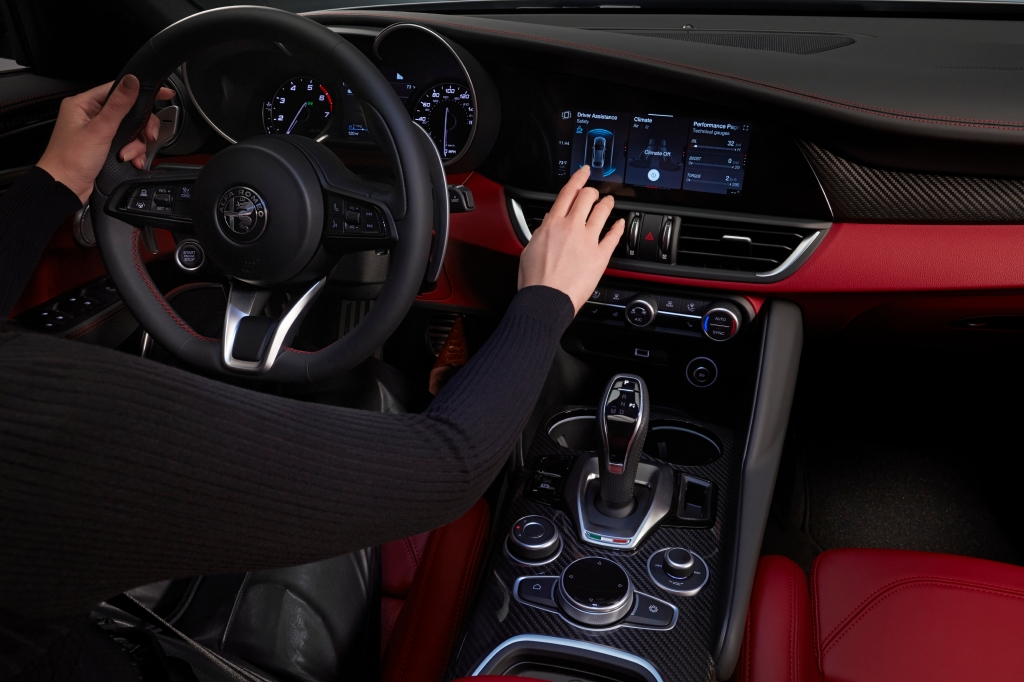 2020 Alfa Romeo interior