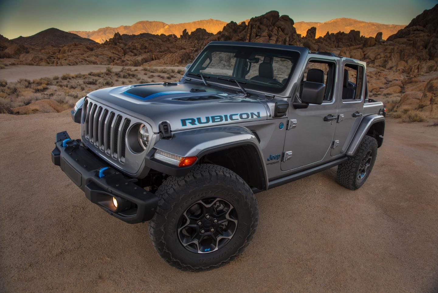 Jeep Wrangler 4xe in desert